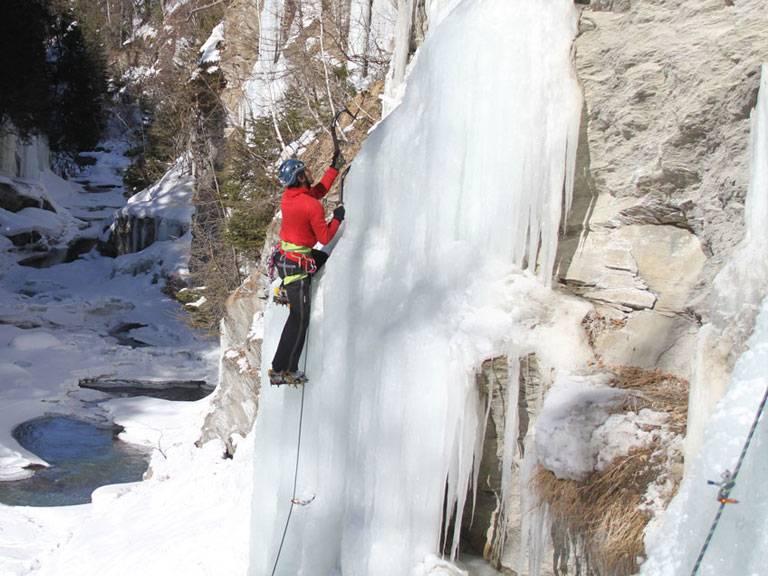 chamonix ice climbing